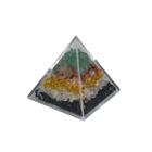 Пирамида разноцветная с камнями