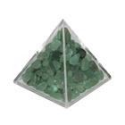 Пирамида с зелеными камнями