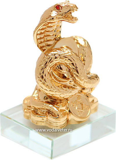 Кобра на золотых монетах
