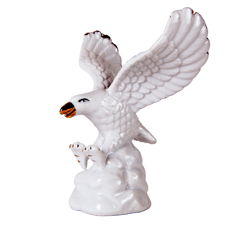 Орел из фарфора