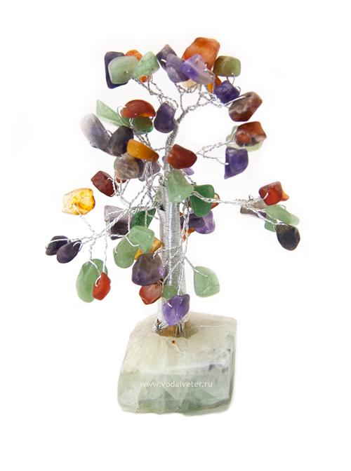 Дерево из самоцветов  на каменной подставке